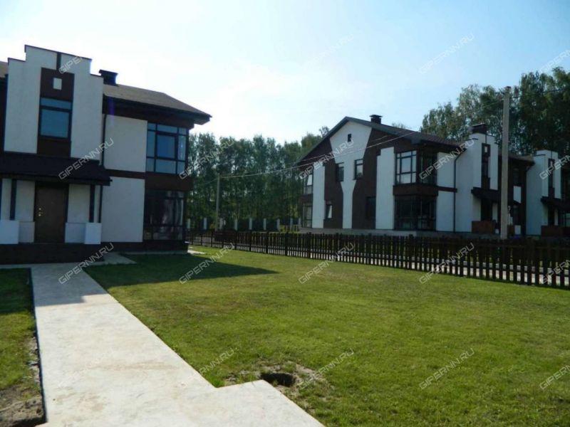 четырёхкомнатная квартира на  деревня Фроловское