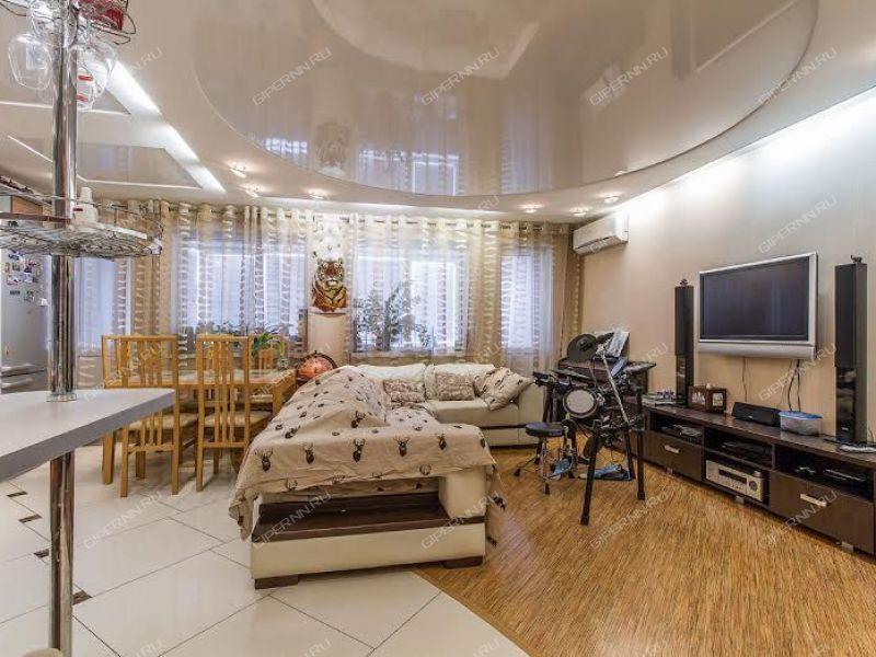 трёхкомнатная квартира на улице Льва Толстого дом 8