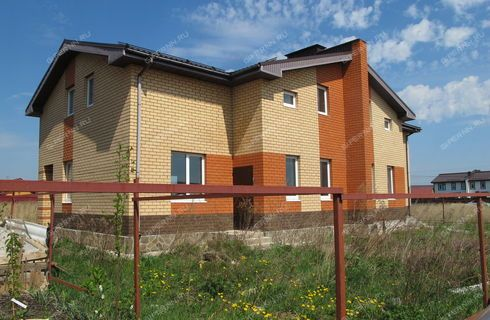 taunhaus-derevnya-kusakovka-bogorodskiy-rayon фото